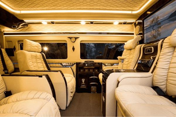 thue-xe-limousine-vinh-long